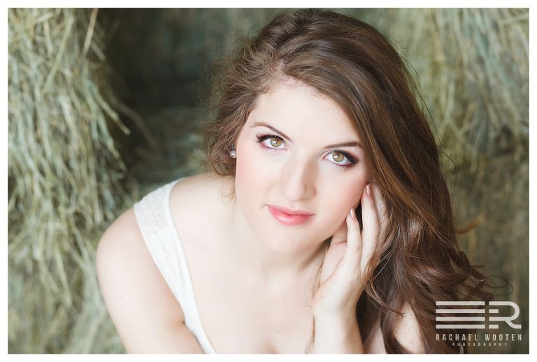 Rachael Wooten Photography is Denver and Littleton's best senior and high school senior portrait photographer using natural light including makeup and hair styling.